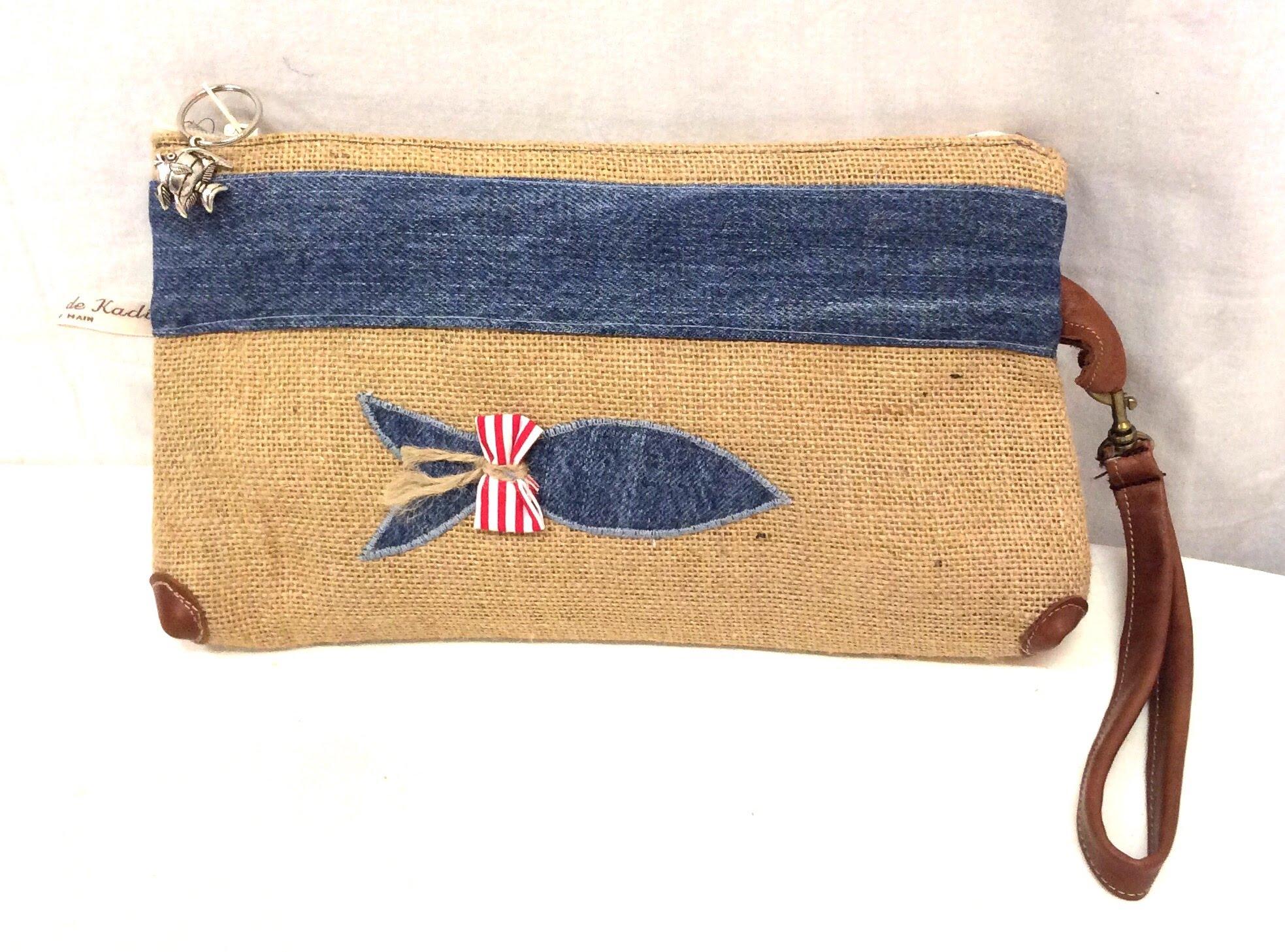 meilleure sélection 71fb9 df402 Pochette en toile de jute-jean bleu-poisson-Maya