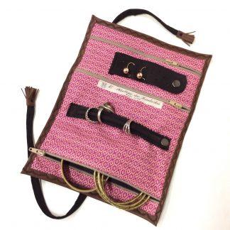 Trousse bijoux voyage cuir fauve / intérieur rose