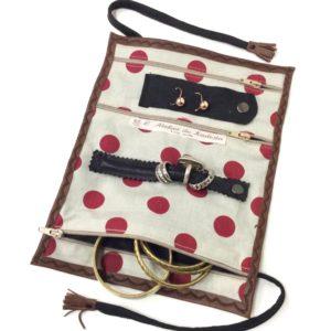 Trousse à bijoux voyage, cuir fauve/ coton taupe pois rouges