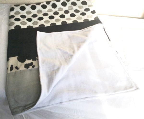 plaid déco douceur noir, blanc et gris