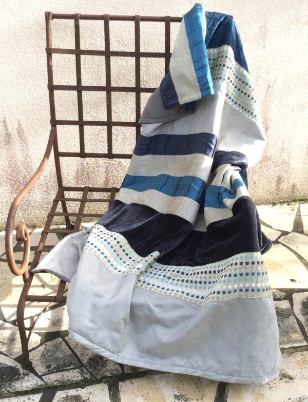 plaid déco douceur, bleu turquoise, marine et gris