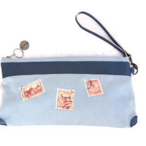 pochette maya bleu clair-cuir bleu-timbres