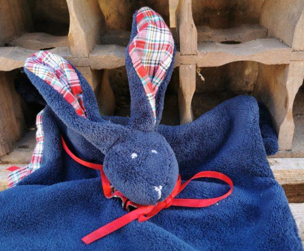 Duo doudou lapin bleu/écossais rouge